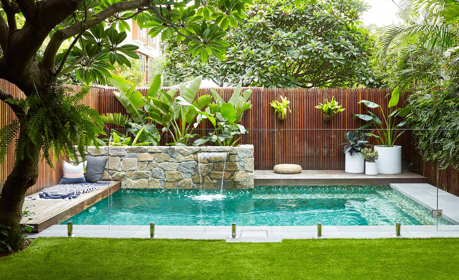 4 Tips on Maintaining Your Yard Effectively