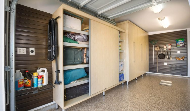 Eight Easy Tips for Spring Cleaning in the Garage